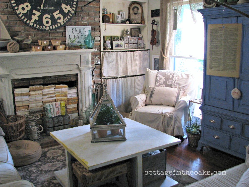 Our Cottage} ::: Cottage Living Room - Cottage in the Oaks