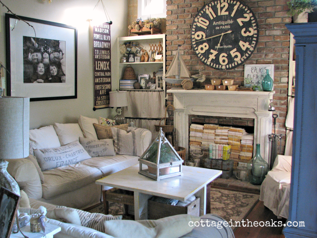 Cottage Living Room ::: Cottage In The Oaks Photo Gallery