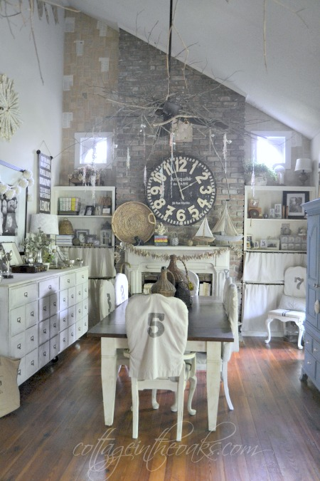 https://cottageintheoaks.com/wp-content/uploads/Cottage-Dining-Room-switch.jpg