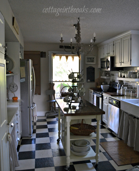 Cottage in the Oaks Kitchen