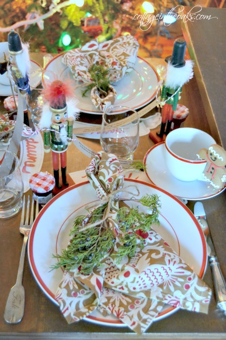 Tablescape Ideas holiday decor ::: christmas tablescape ideas - cottage in the oaks