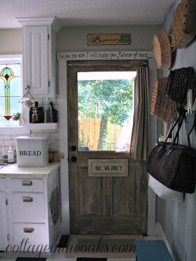 cottage-kitchen-door