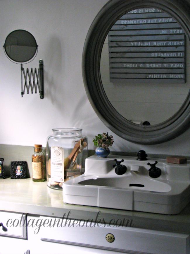 master-bath-in-cottage
